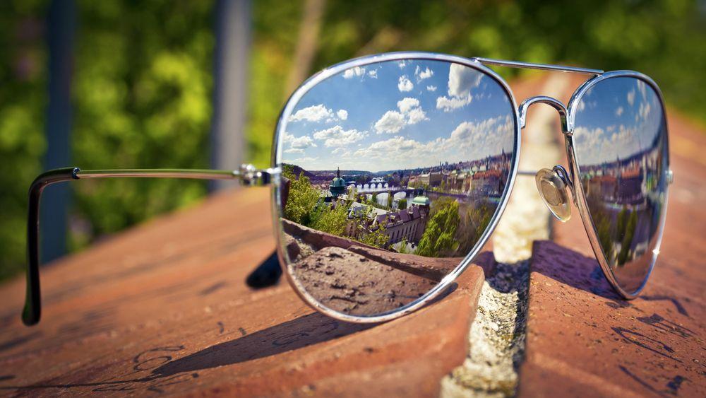 Lustrzanki - jak wybierać lustrzane okulary przeciwsłoneczne?