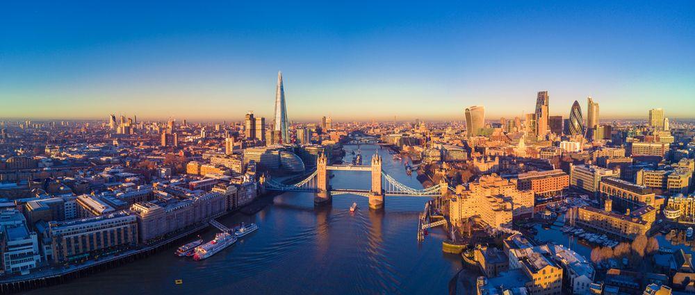 Poczuj na sobie londyńską mgłę