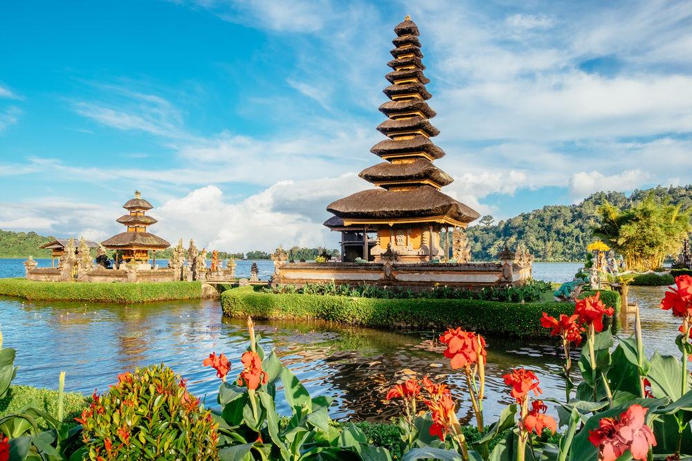 Egzotyczne wakacje w Indonezji – krótki poradnik podróżnika