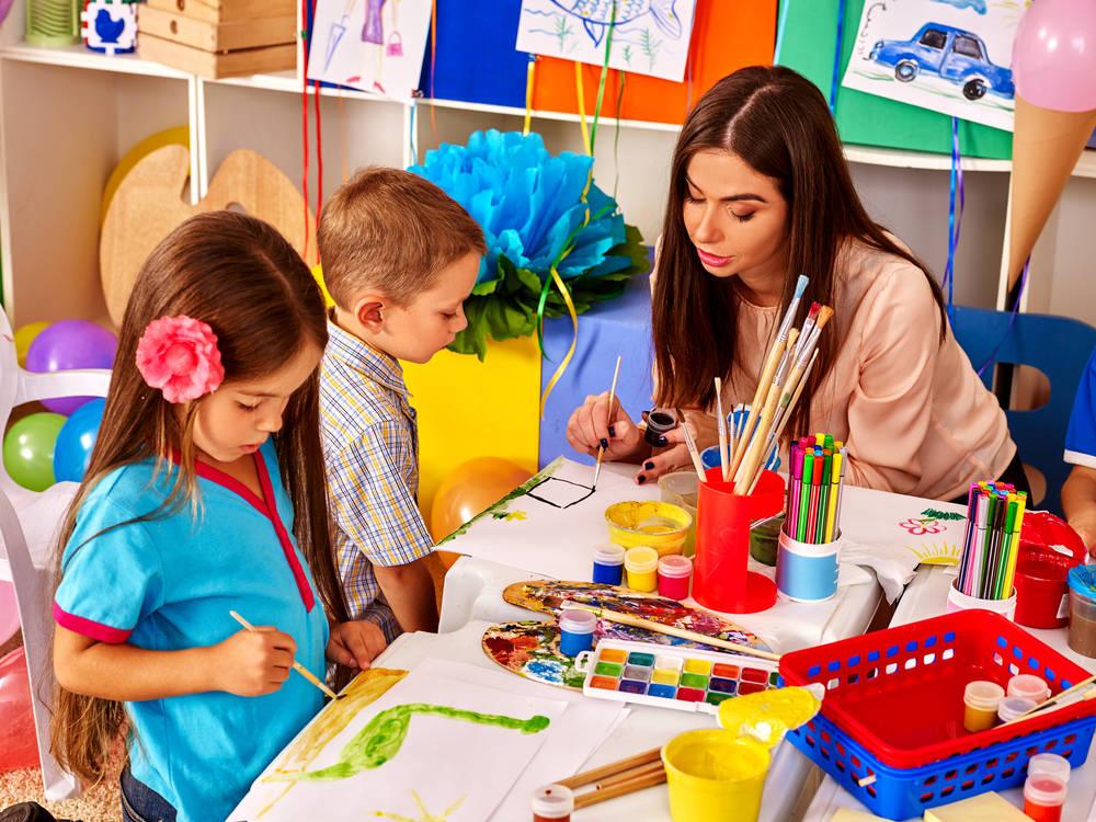 Jak działają domowe przedszkola?