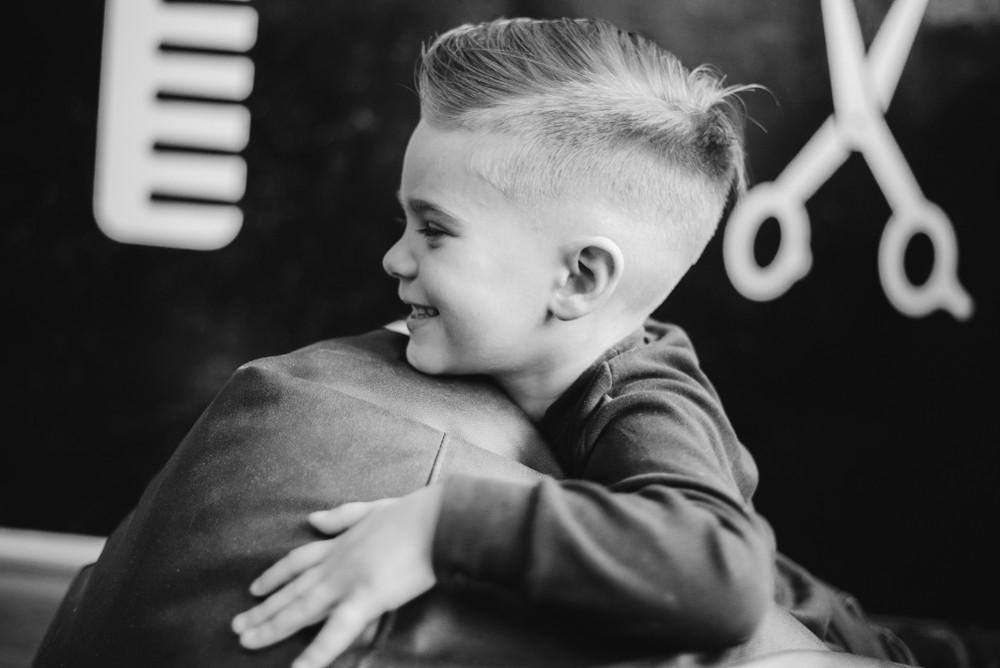 Modne fryzury dla małych chłopców