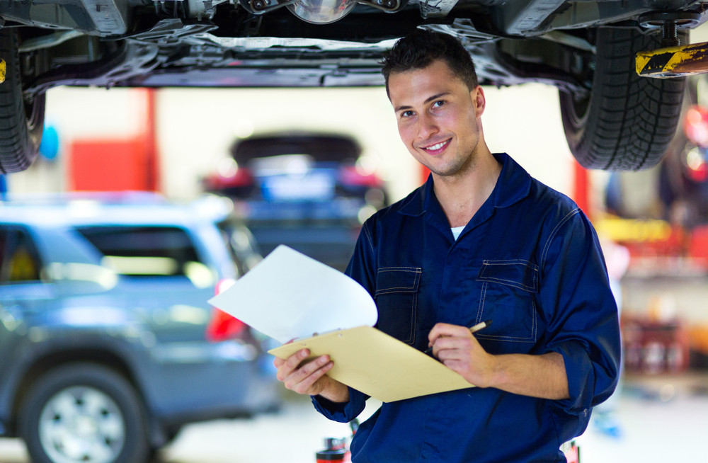 """Obowiązkowy przegląd samochodu - kiedy auto może """"nie przejść"""" przeglądu?"""