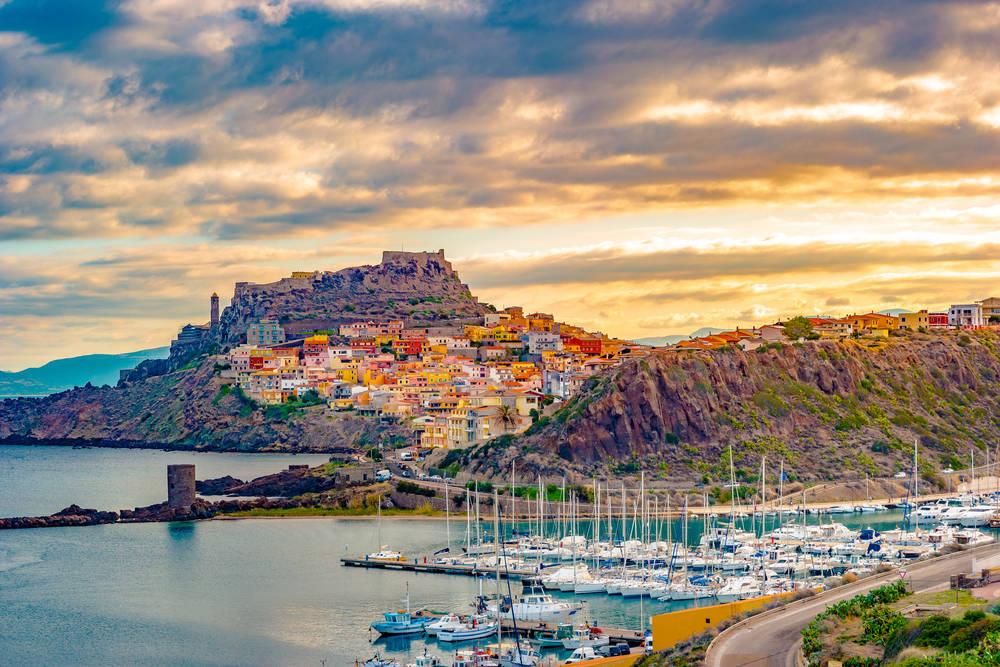 Rajskie wakacje na skalistej wyspie – poznaj Sardynię