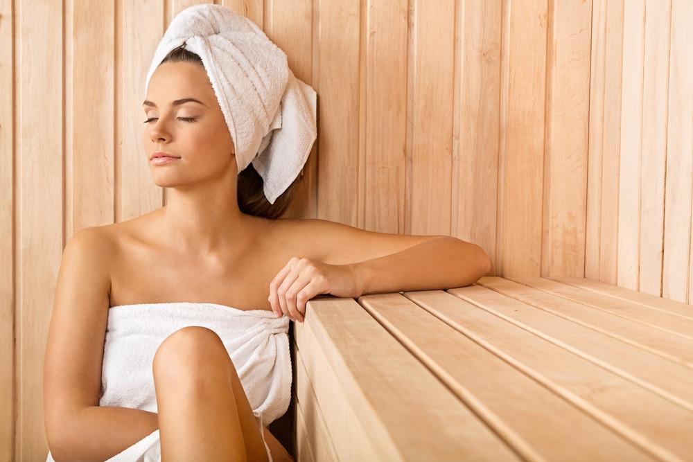Sauna – poznaj przeciwwskazania i korzyści, jakie płyną z korzystania z niej
