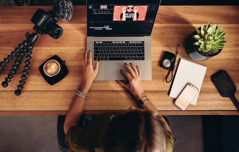 Jak założyć i prowadzić blog podróżniczy, kulinarny czy modowy? Sprawdzamy!