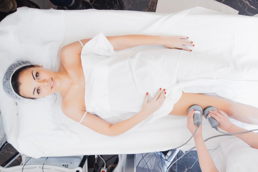 Liposukcja kawitacyjna - zabieg medycyny estetycznej