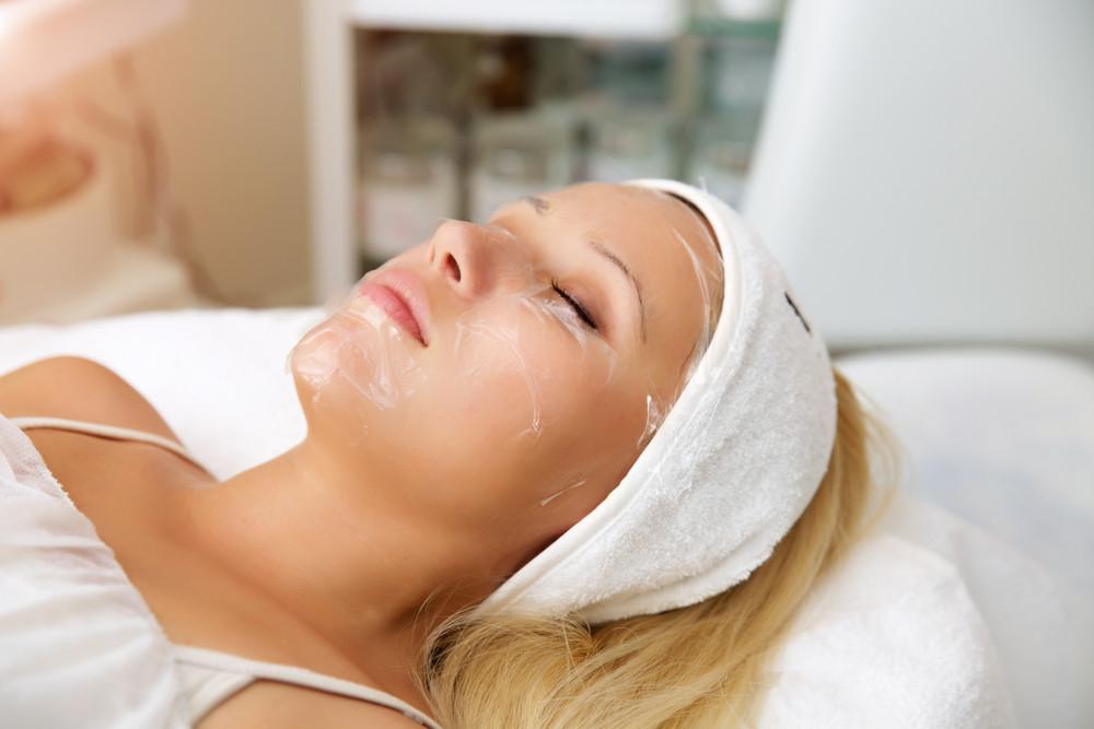 Wizyta u kosmetyczki, zabiegi pielęgnacyjne