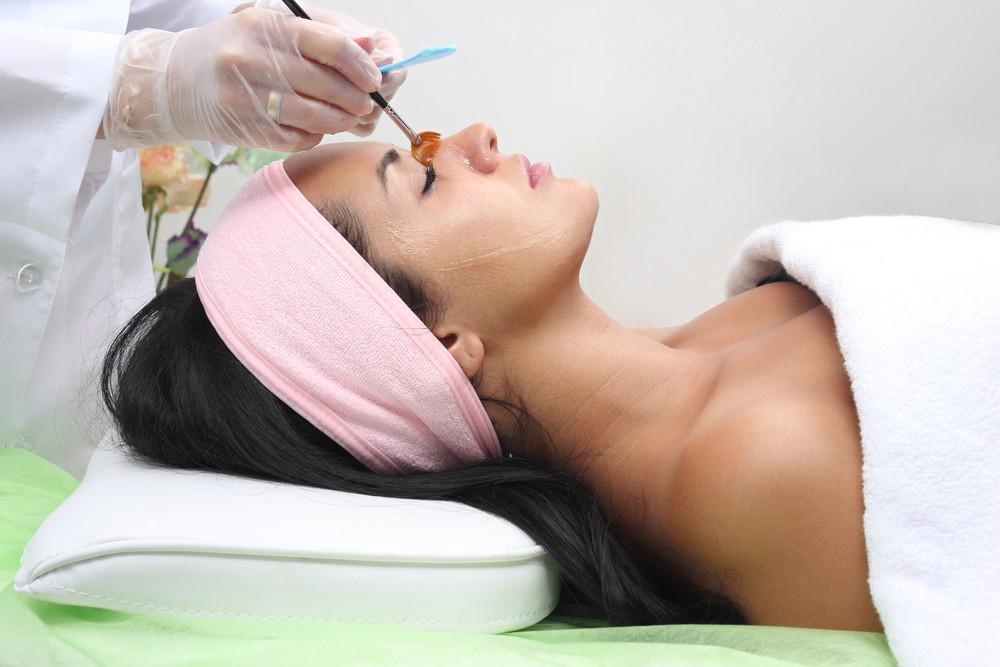 Peeling u kosmetyczki