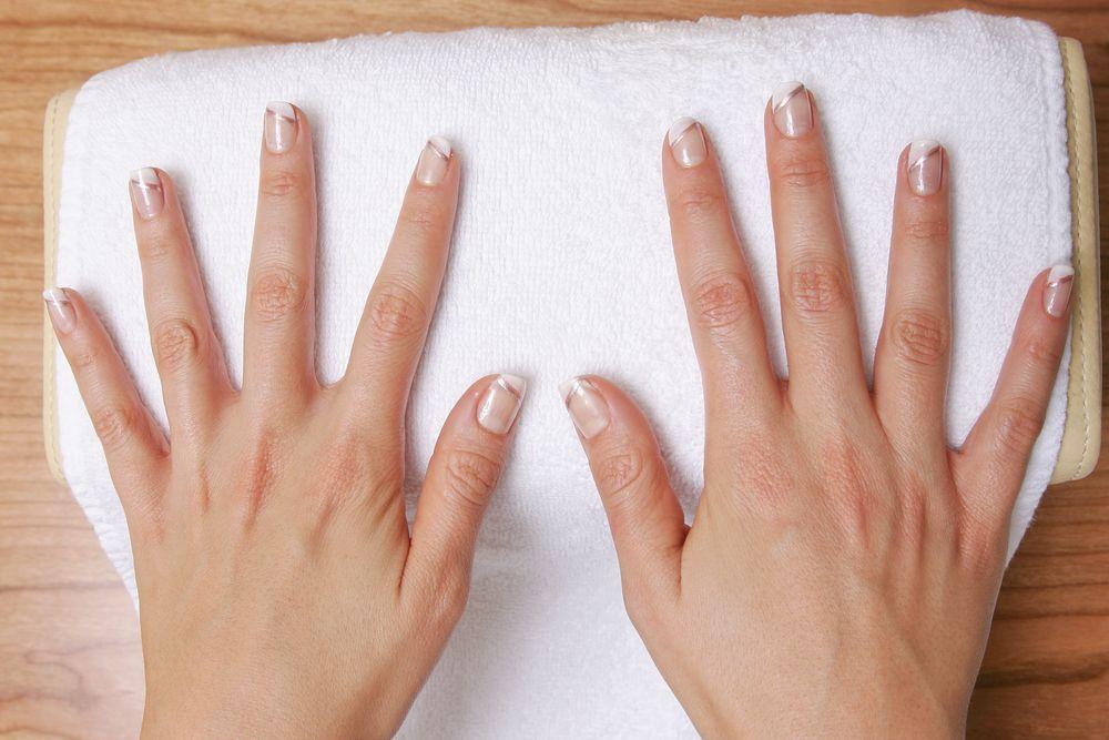 Manicure francuski krok po kroku