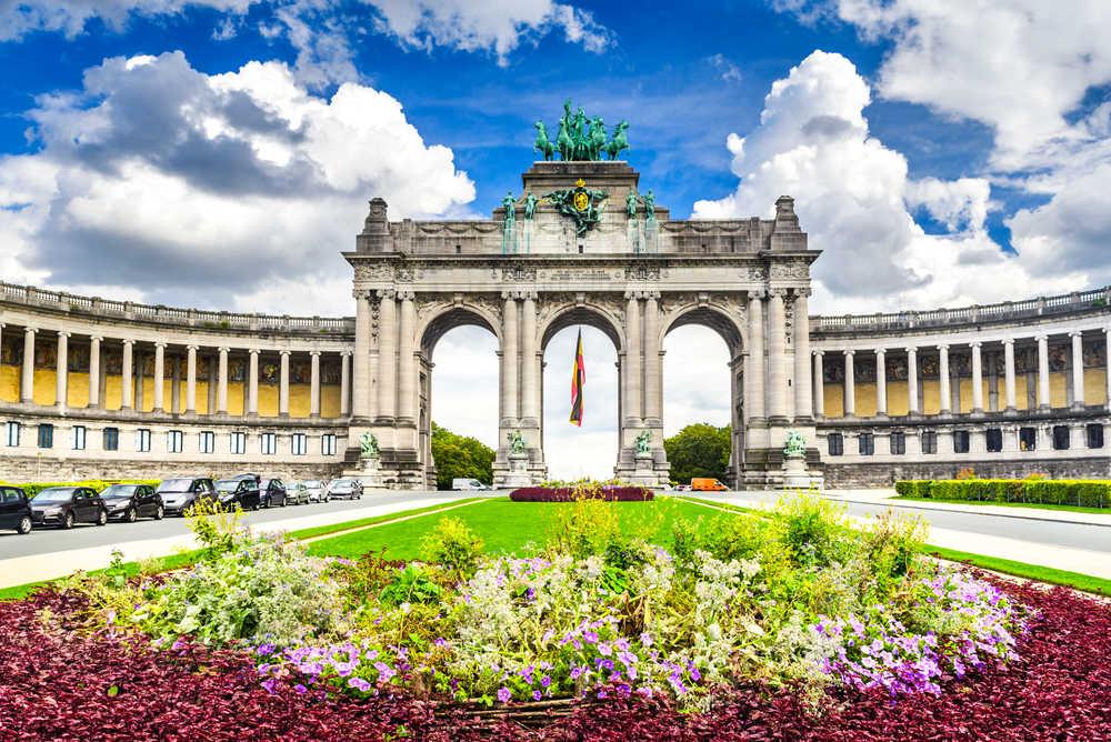 Bruksela – pomysł na atrakcyjny i niedrogi weekend. Park miejski Parc du Cinquantenaire, Bruksela, Belgia