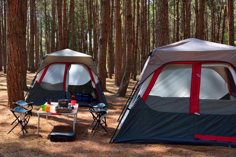 Jak zorganizować rodzinne wakacje pod namiotem?