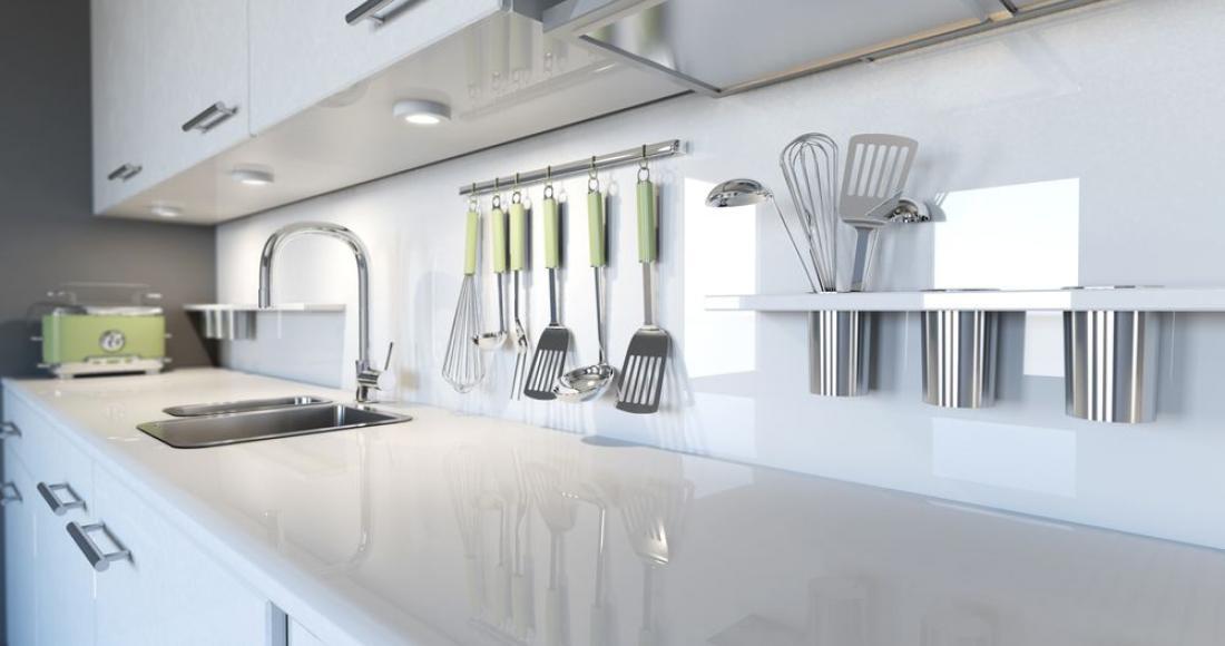 Jak zaaranżować ciekawą ścianę w kuchni?