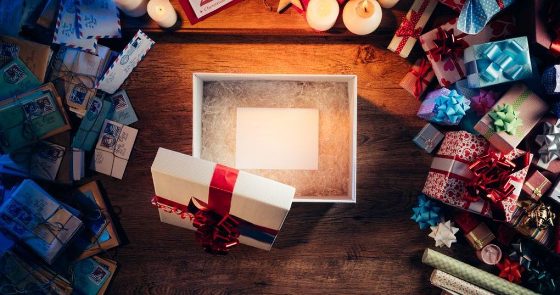 Jak atrakcyjnie opakować prezent?