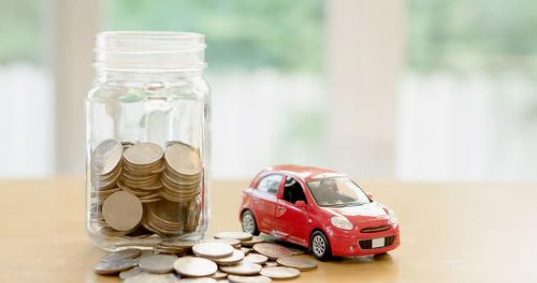 Jak uniknąć podatku przy darowiźnie samochodu?