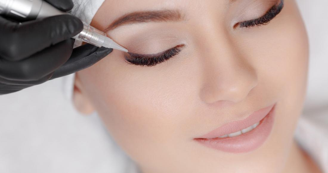Makijaż permanentny krok po kroku. Jakie są przeciwwskazania do zabiegu?