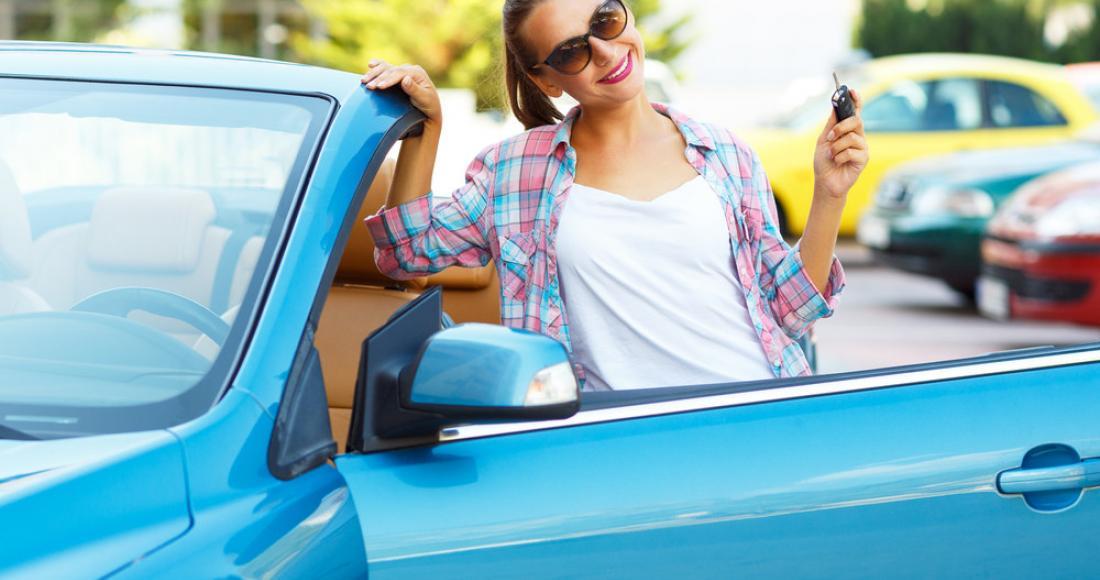 Kupujemy używany samochód – 10 rzeczy, które musisz sprawdzić przed podpisaniem umowy