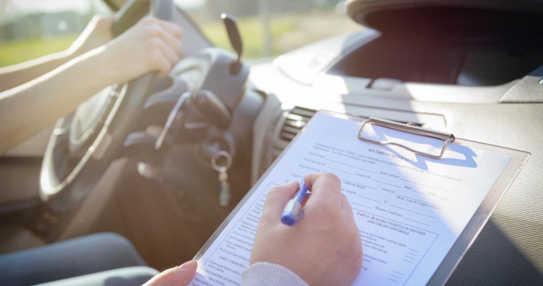 Egzamin na prawo jazdy - na co muszą zwrócić uwagę przyszli kierowcy?