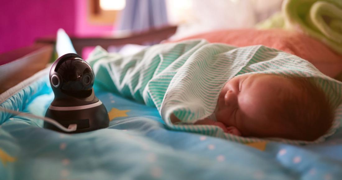 Elektroniczna niania – must have dla noworodka i jego rodziców