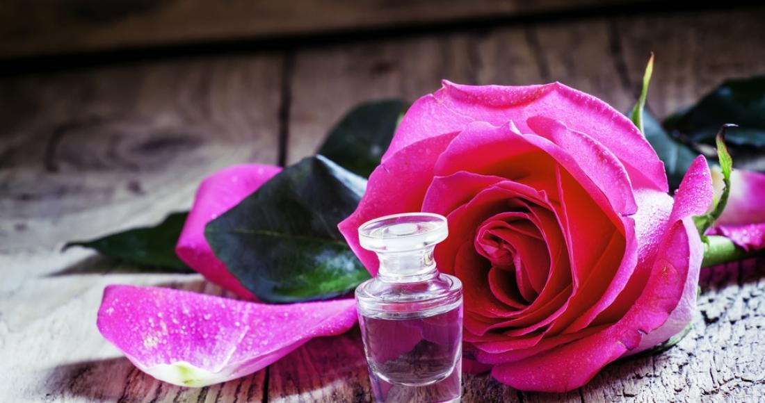 Olejek różany – poznaj jego dobroczynne właściwości