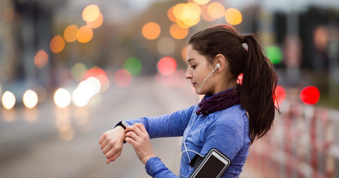 Prowadzisz aktywny tryb życia? Te gadżety na pewno skradną twoje serce!