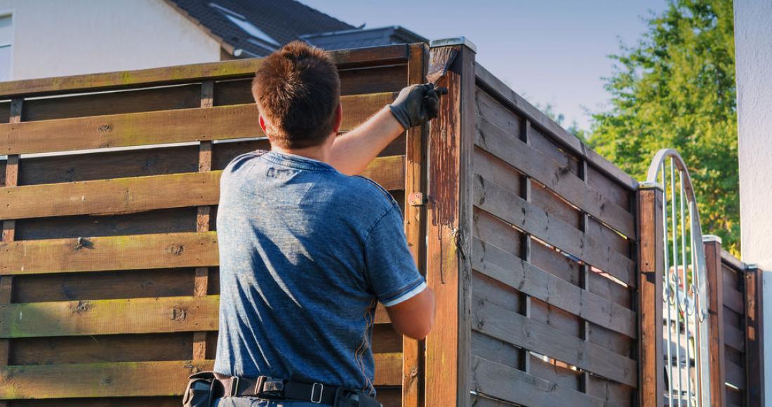 Ogradzamy dom – od czego zacząć, jakie ogrodzenie wybrać?