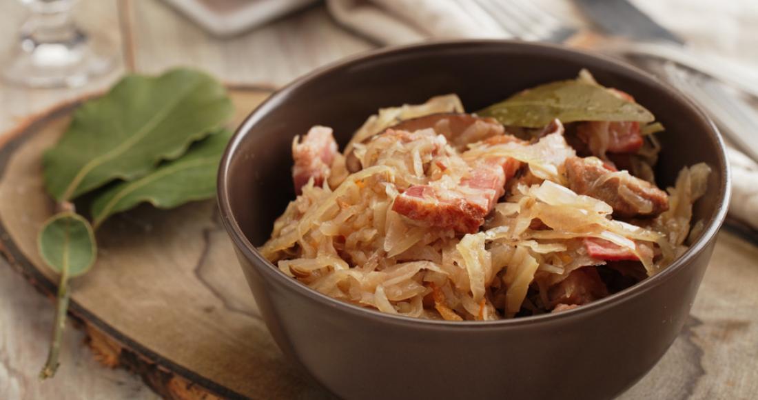 Klasyka polskiej kuchni – jak ugotować bigos?